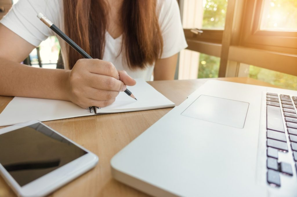 5 Stages of Submitting the Perfect College Admissions Essay